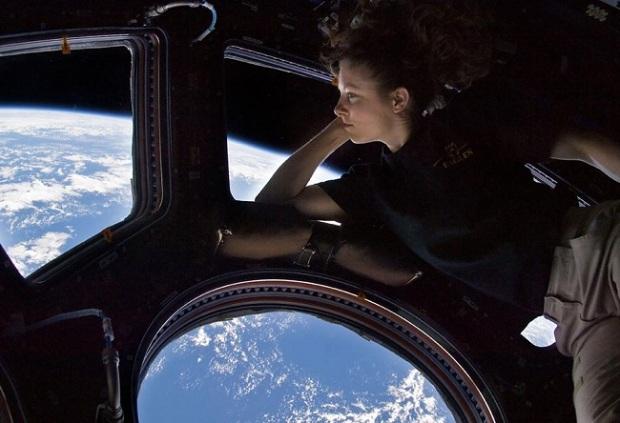 des-ti-gi-san-na-eisai-kosmonautis-video-360moiron