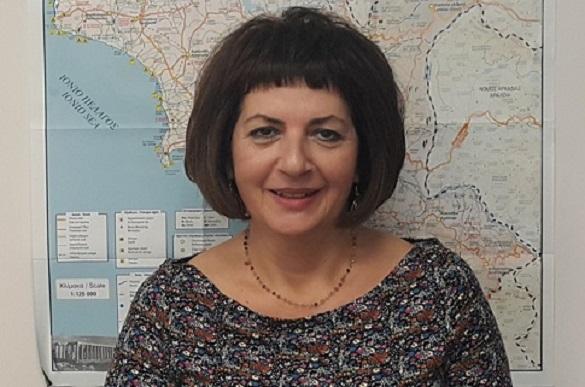 efi-georgopoulou-anakoiothike-i-entaksi-tou-epikouriou-apollona-sto-ESPA